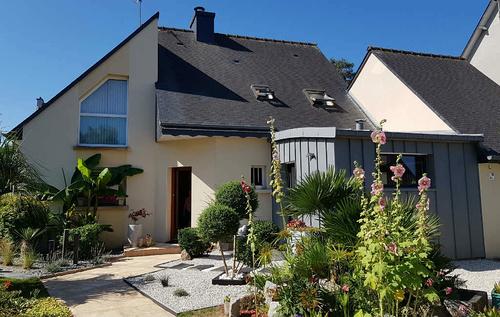 Extension contemporaine d''une maison